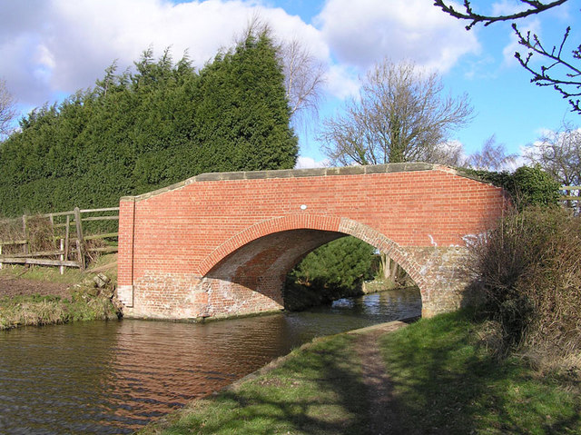 Bridge 7, Trent and Mersey Canal