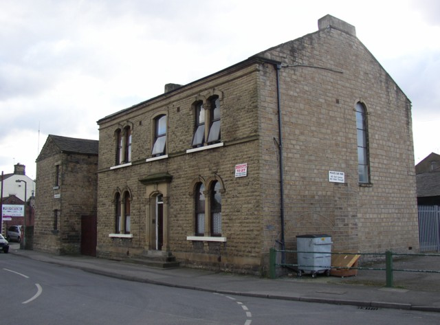 Building at junction of Calder Road and Newgate, Lower Hopton, Mirfield (SE200194)