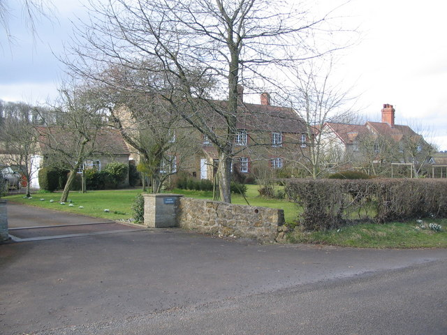 Cottages at Castle Hill