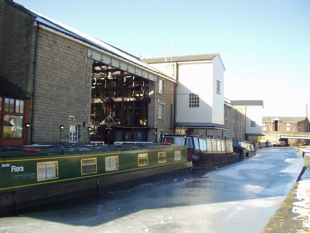 Apollo Canal Cruises, Wharfe Street, Shipley