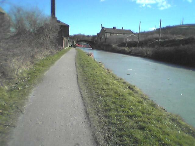 View along Leeds and Liverpool Canal, Shipley