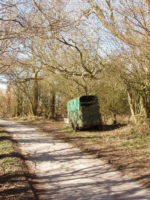 Horsebox in a lane, Draycot Foliat