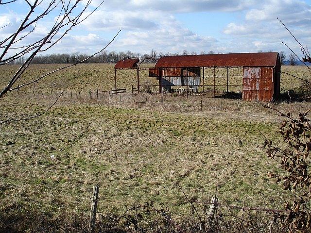 Derelict dutch barn, Allington