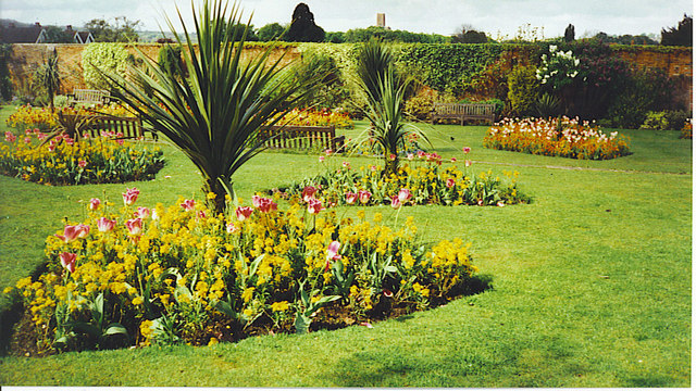 Outside the Walled Garden, Stoke Park.