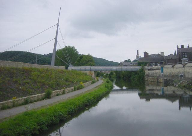 Footbridge across Leeds and Liverpool Canal, Bingley