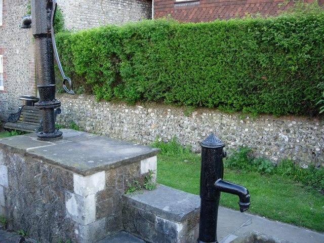 Steyning (West Sussex) - village pump