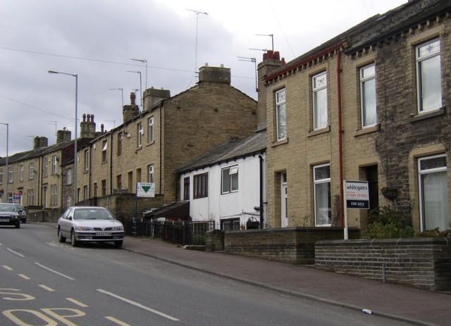 Cottages, Thornhill Road, Rastrick (SE139218)