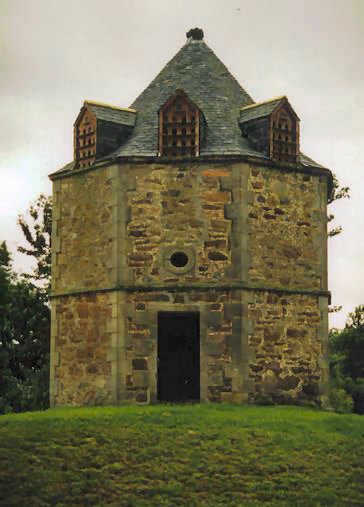 Dovecote at Culloden