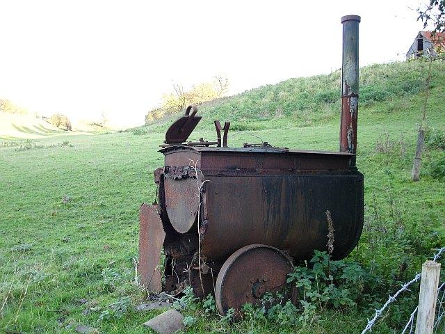 Portable tar boiler