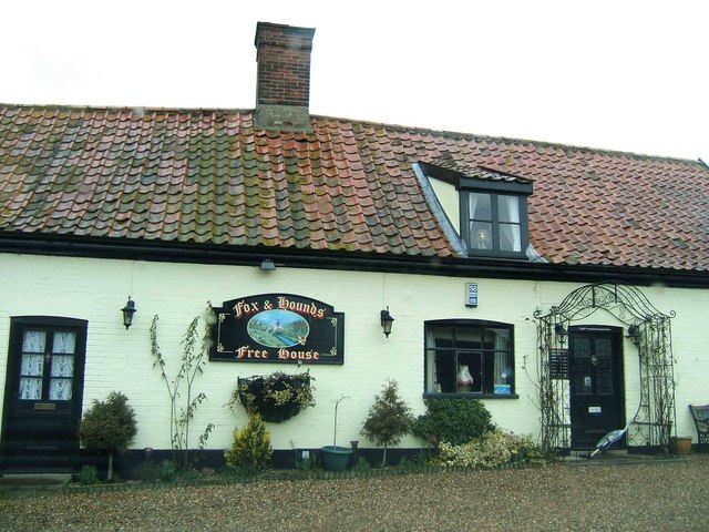 Fox and Hounds at Gt. Moulton