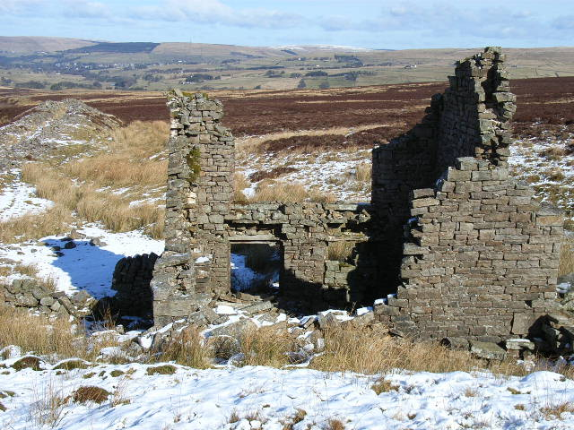 Ruined mine building, Rotherhope Fell