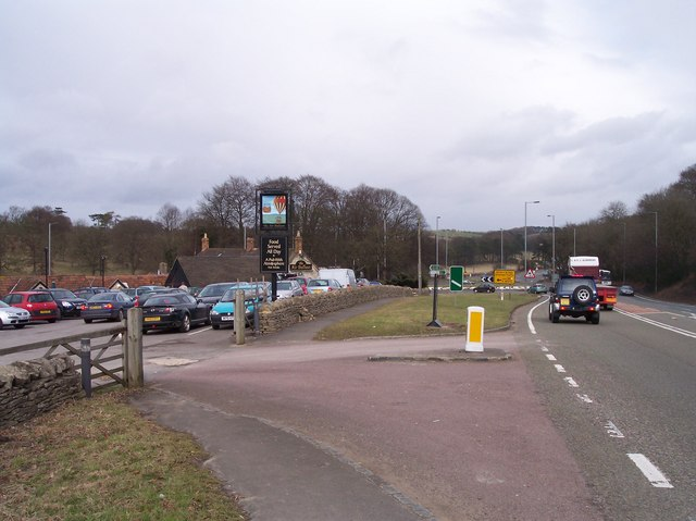 "The ""Air Balloon"" Roundabout and Pub"