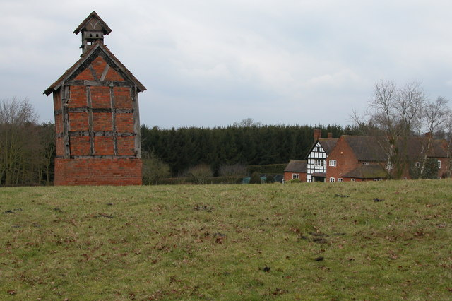 Dovecote at Pumphouse Farm, Hanbury