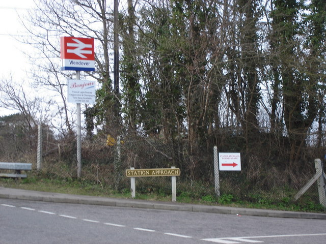 Wendover, Station Approach