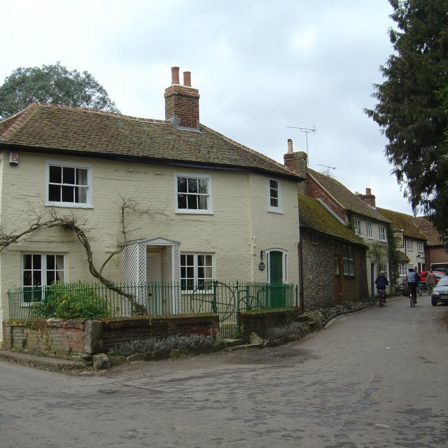 Upham, from the pond towards the Brushmakers Arms