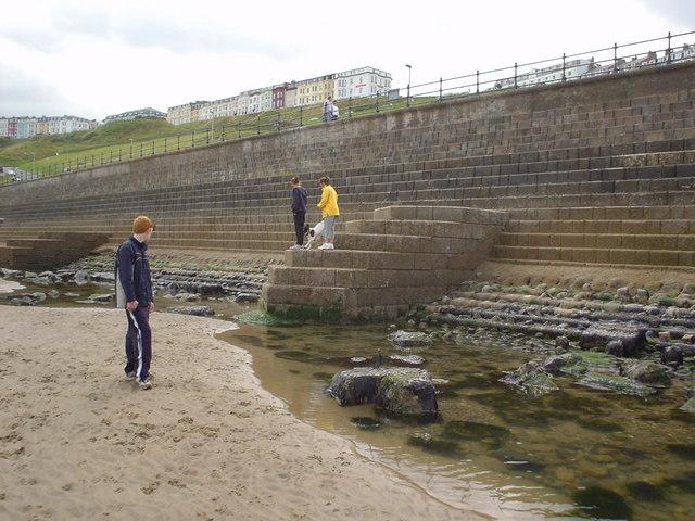 Sea wall, Scarborough North Bay