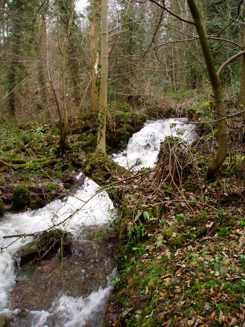 the flow of river clywedog Width of river: 13m llanidloes is built on an area of flat land around the river's confluence with a tributary, the afon clywedog the river the flow of the.
