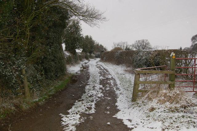 Public Footpath to Kilburn Middle Park