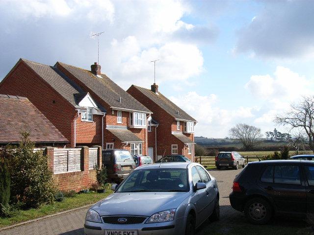 Modern houses and farmland, Dorton