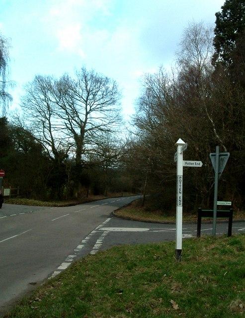 Nettleden Road, Vicarage Road Junction, Potten End