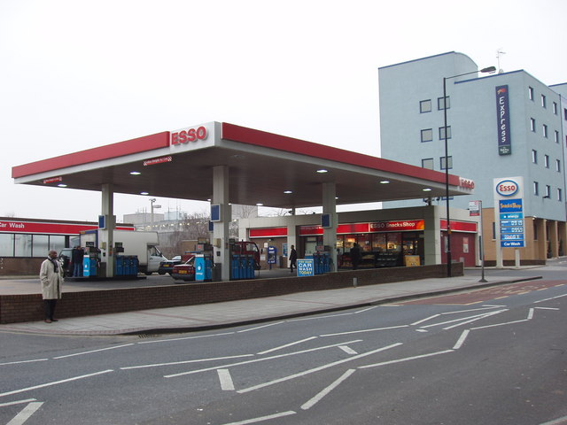 Petrol station, Victoria Road, North Acton