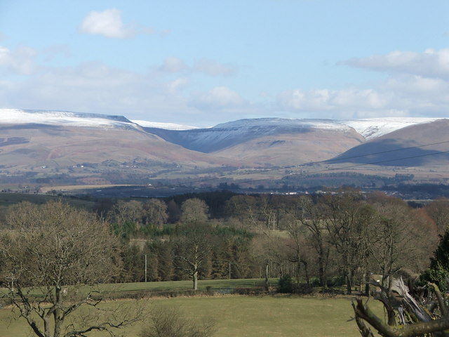 High Cup Nick with light dusting of snow