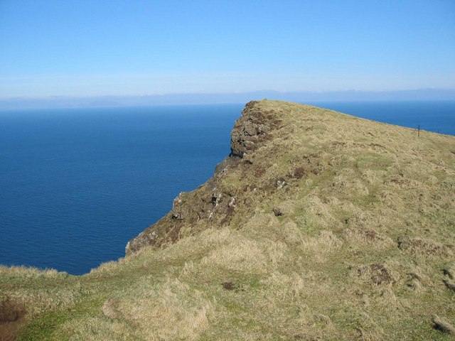 Clifftop North of Biod an Athair