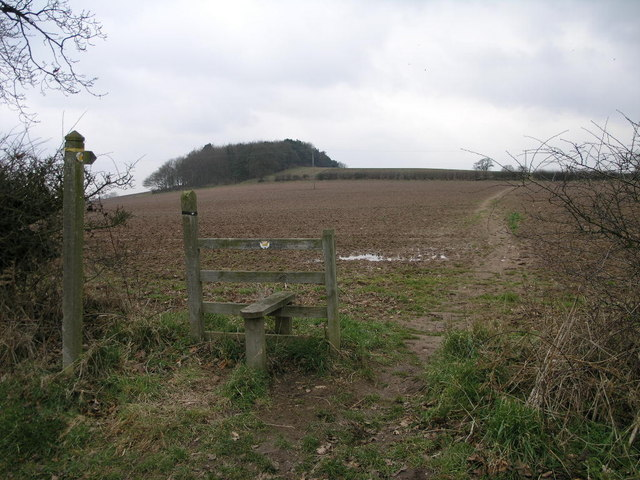 Footpath to Crackley Bank