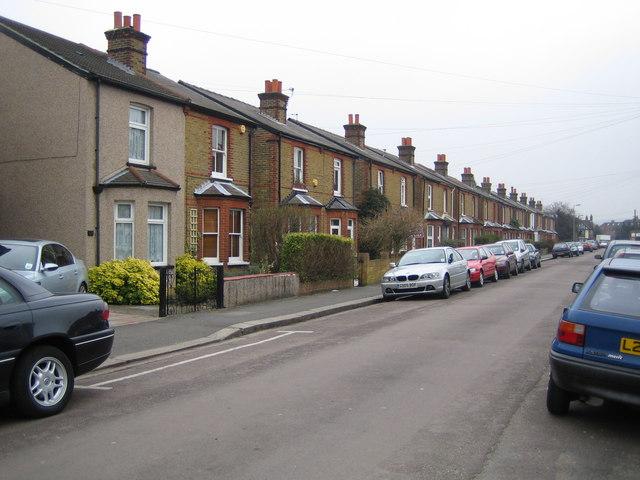 Epsom: Upper Court Road