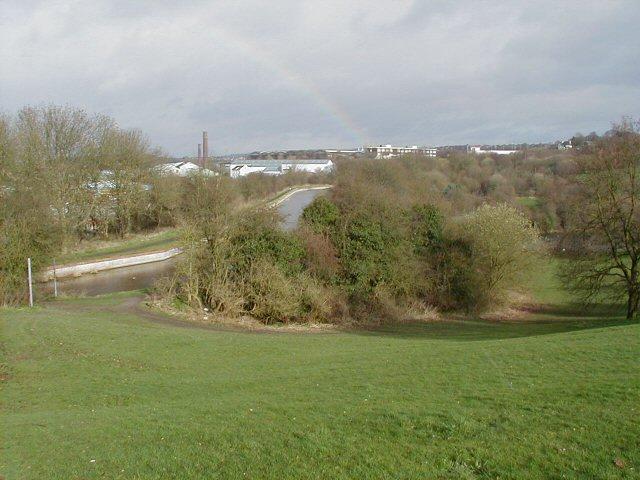 Leasowes Embankment