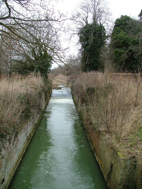 Disused lock in River Ivel Navigation