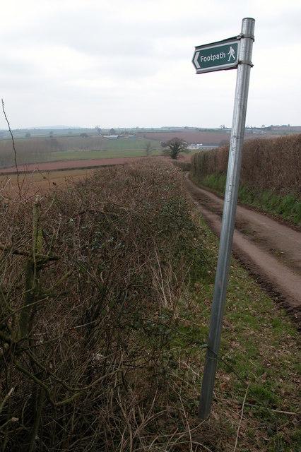 Footpath to Killbreece Bridge