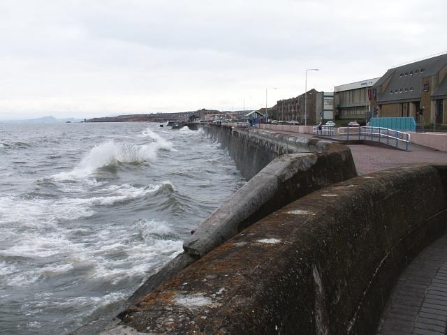 Kirkcaldy sea wall