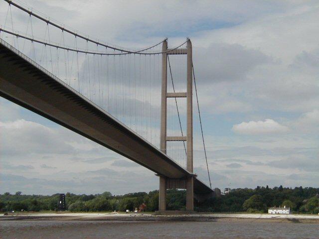 R Humber north bank & bridge