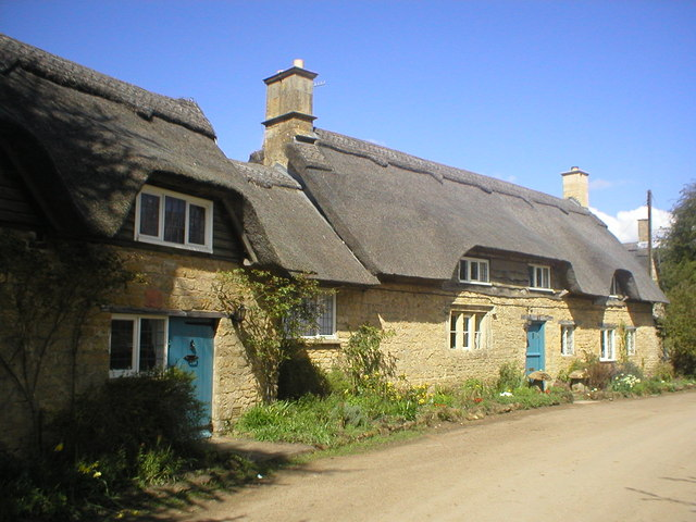 Thatched cottages, Hidcote Bartrim