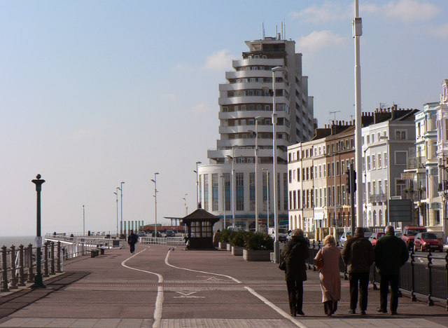 The Promenade and cycle way, St Leonards on sea looking west.