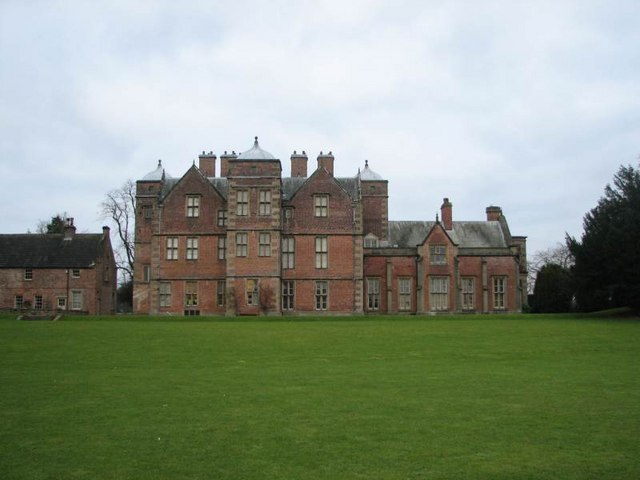 Kiplin Hall - lake side view