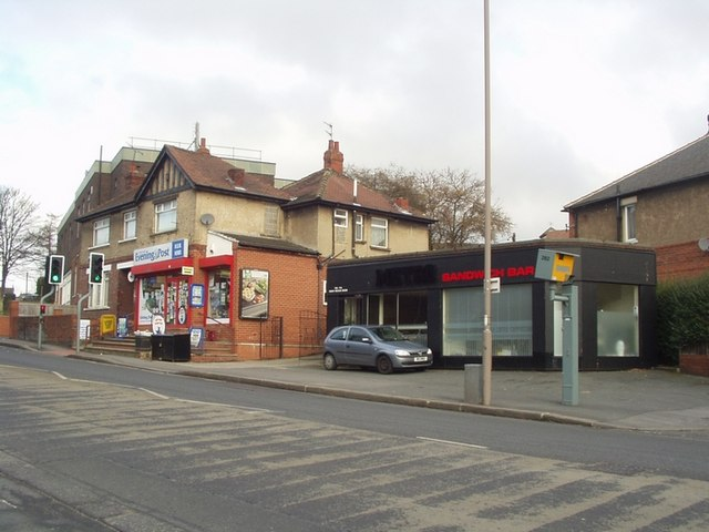 Sandwich bar and Newsagents, New Road Side