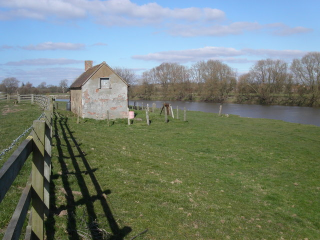 Abandoned cottage by the river Severn