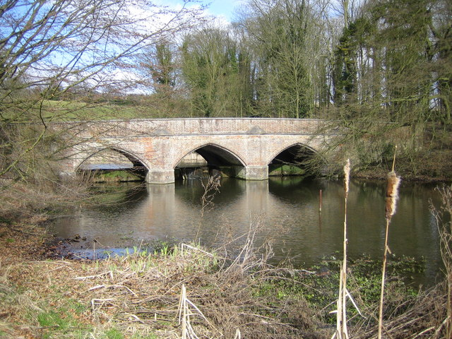 River Gade and the A4146 road bridge at Water End