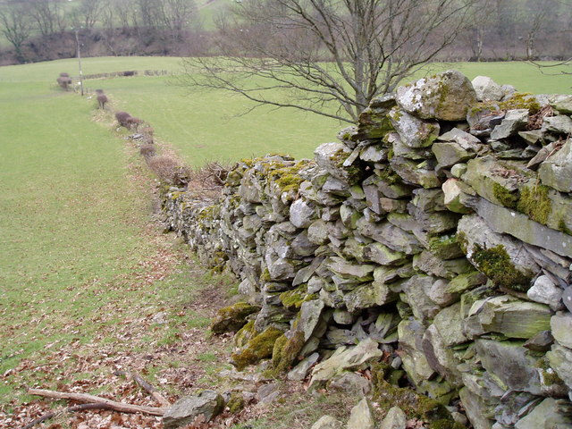 Dry stone wall near Rhos y Gwaliau