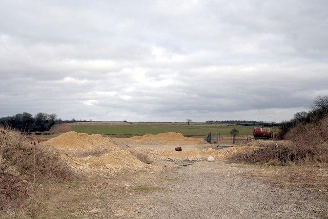 Disused gravel quarry on Ropsley Heath