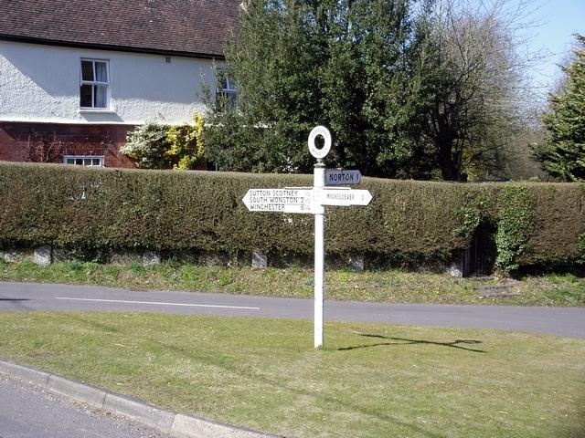 Signpost in Wonston