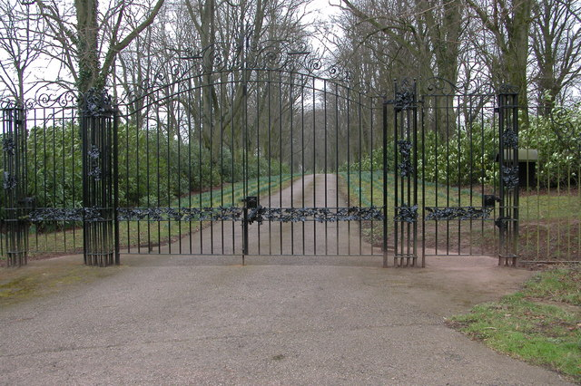 Entrance gates and driveway to Glanmonnow House