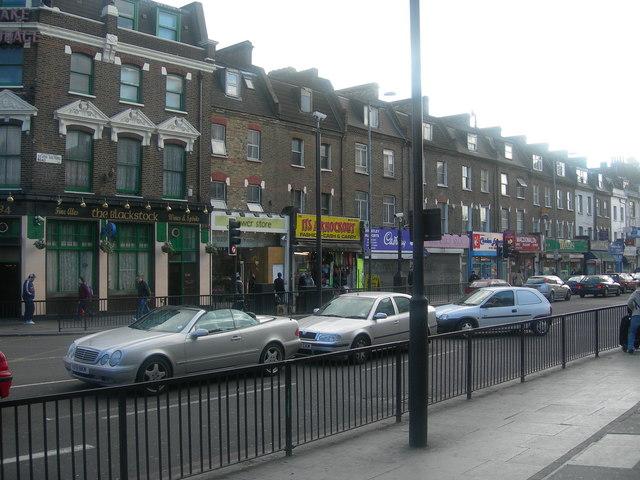 Seven Sisters Road N4