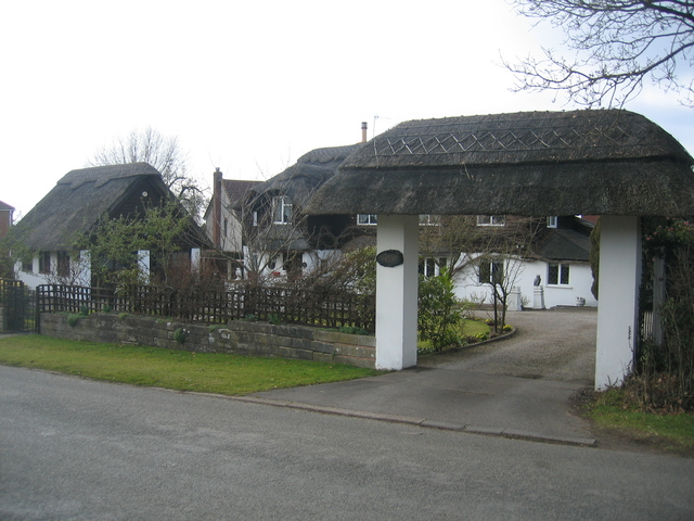 Fully thatched in Cladswell