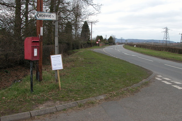 Turning for Wichenford on the A443 near Holt Heath