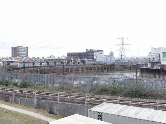 Bow Creek, Canning Town