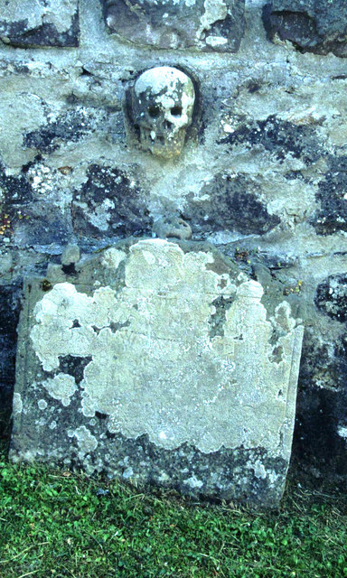 Gravestone in Dunnottar kirk