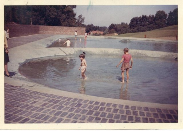 Paddling pools at Harlow Town Park.